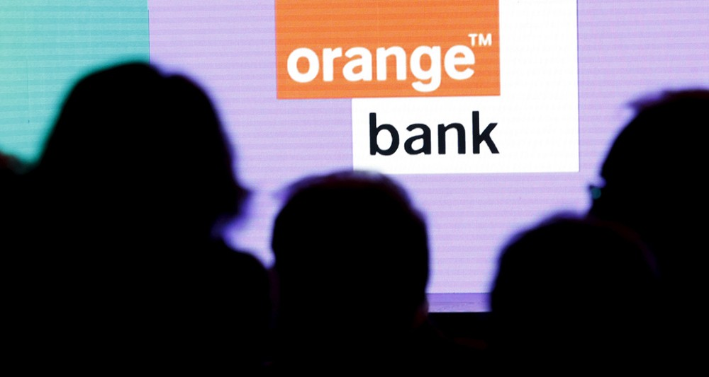 2098663 orange decale le lancement de sa banque mobile a la rentree web tete 030418781779